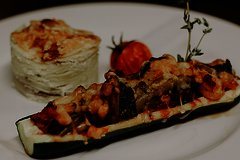 Zucchini Schiffchen mit Kartoffelgratin